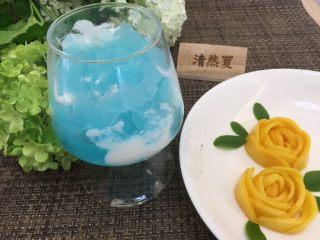 蓝天白云鸡尾酒和漂亮的芒果花,学会了吗?赶紧发朋友圈吧