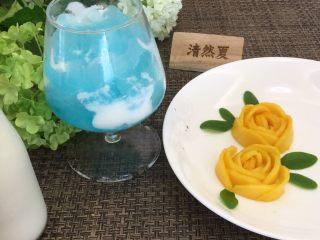 蓝天白云鸡尾酒和漂亮的芒果花,漂亮的芒果花和蓝天白云鸡尾酒就完成啦