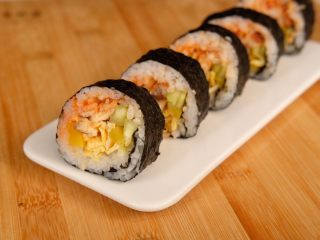 鳗鱼紫菜包饭