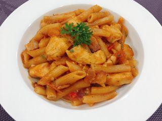 辣蕃茄鸡肉通心粉