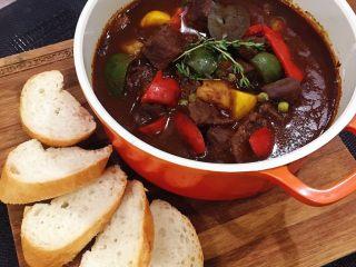 紅酒燉牛肉(一鍋到底)