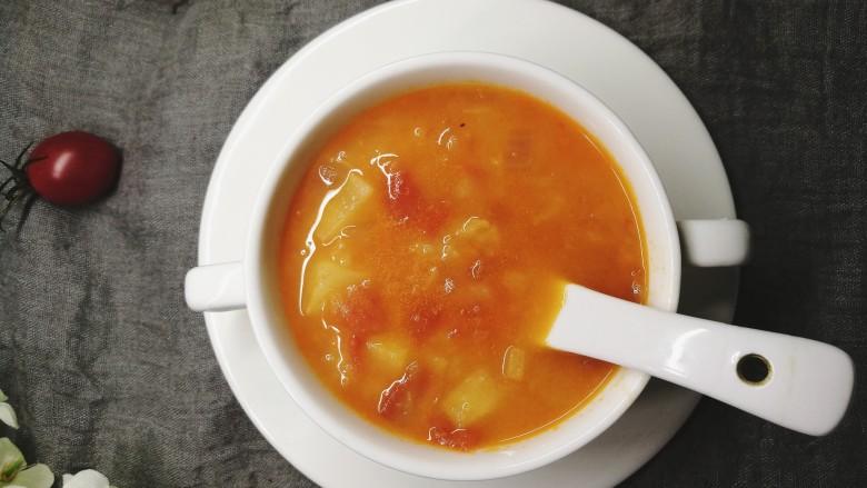 四季都宜的西红柿土豆浓汤,我还会偶尔把它熬的特别浓稠,用来当面条的卤