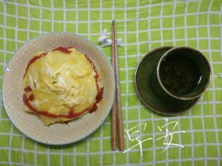 一个人生活没有厨房的日子(一),有点失败的蛋包饭2333