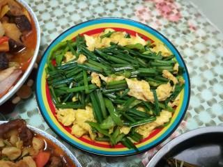 韭苔炒鸡蛋,上桌