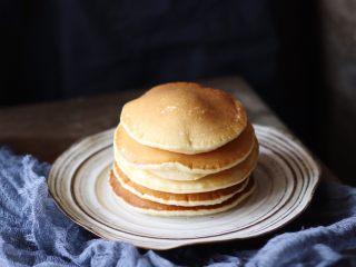 奶香四溢的酸奶厚松饼