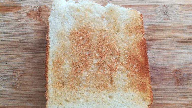 培根芝士三明治,最后再加上一片面包片