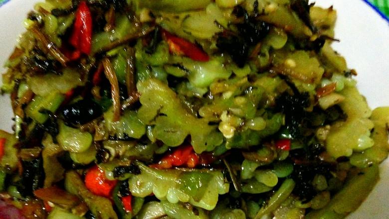 豆豉酸菜炒苦瓜