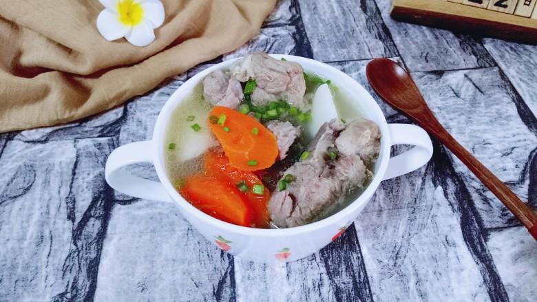 胡萝卜小排汤