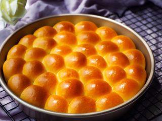 乳酪橙皮金钱小面包,成品图