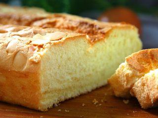 玉枕蛋糕,蛋香浓郁、软绵适口