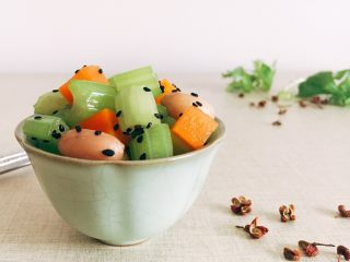 爽口开胃小凉菜 花椒油炝芹菜