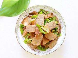 尖椒冻魔芋炒回锅肉