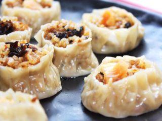 #食二星座#+牛肉瑶柱花菇烧卖,快来享受美味!