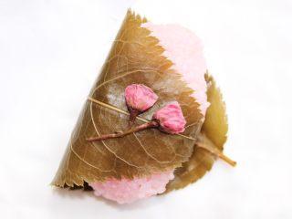 自制红豆沙,樱饼里面也有,只是我没切开来啦!