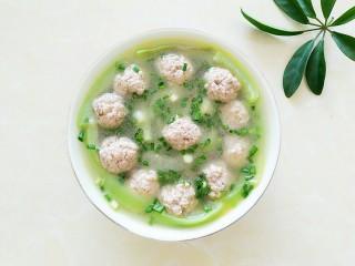 丝瓜肉丸汤,开吃啦!小兔崽子说太好吃了,叫我天天做给她吃!😄