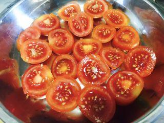 西红柿干,平铺一层在盘中