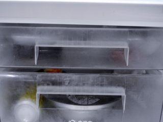 香爽红糖冰粉,把红糖水和冰粉一起冷藏起来,冰镇一两小时后食用口感更佳哦!
