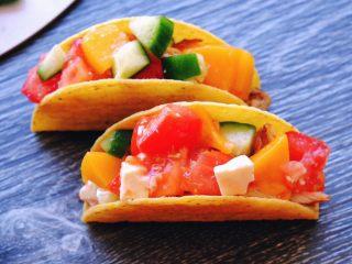 秘制异国风味鸡胸肉腌料&绝佳搭配 (减肥必备),然后塞进Taco的上半部分
