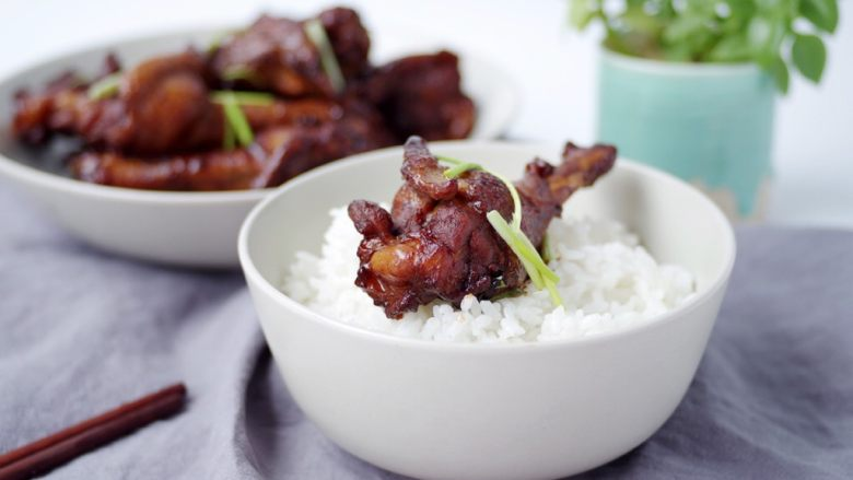 酱烧鸭翅根,美味的酱烧鸭翅根就做好了!