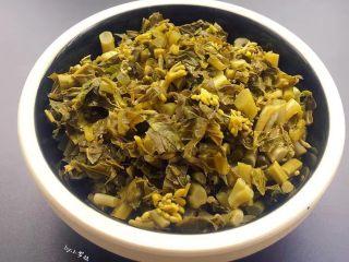 酸菜炒肉末~附上酸菜制作方法!,这个是我3天腌制好的酸菜,是不是超级棒呢!