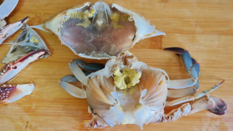 香辣螃蟹,盖子打开