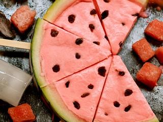 西瓜冰糕,造型逼真,不用吐西瓜籽哦!