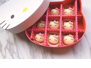 Hello kitty凯特猫巧克力#DIY巧克力#,hello Kitty巧克力 制作完成~