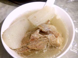坤博砂锅之棒棒骨山药汤,成品图