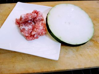宝宝辅食之肉末蒸冬瓜+冰糖水蜜桃,肉末蒸冬瓜的食材