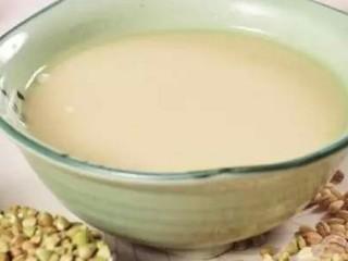 荞麦山楂豆浆