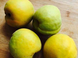 黄桃罐头,4只,洗干净