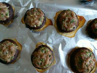 香菇肉丸(可蒸可烤),香喷喷的香菇肉丸出炉