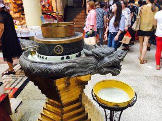 天津老味煎饼果子,天津老味煎饼果子又叫绿豆水磨煎饼果子,所以必须有一台绿豆水磨机。