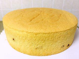 蔓越梅戚风蛋糕,完美的蛋糕出来了