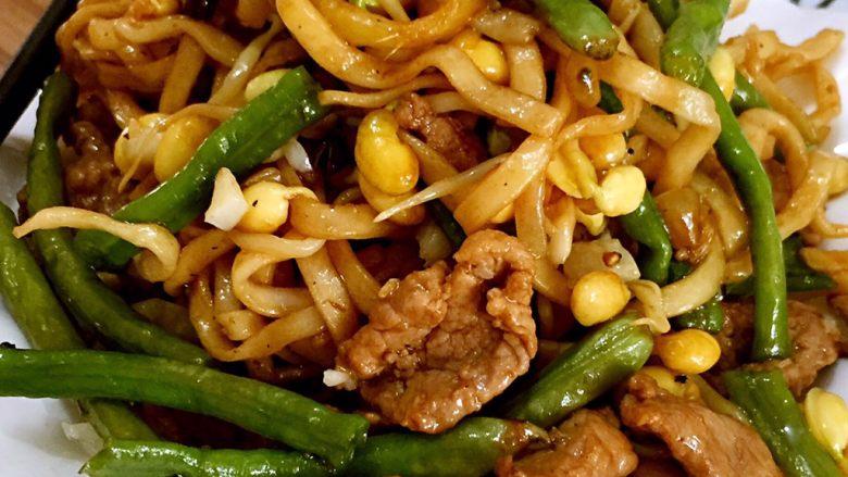 河南特色美食——卤面条,铛铛铛,成品出锅啦……