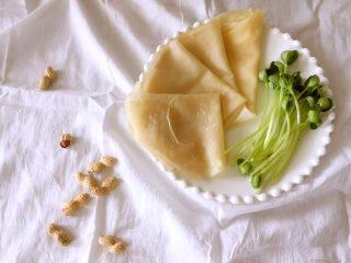 水单饼(烫面法、附卷饼方法),卷什么菜都很好吃哦,一般是卷豆芽菜、土豆丝、鸡蛋饼之类的