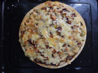 家常香菇披萨,烤成这样就ok了