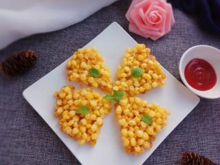 玉米烙,切块就能吃了,蘸着番茄酱简直太棒了