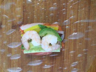 减脂低热量越南春卷,摆上虾仁