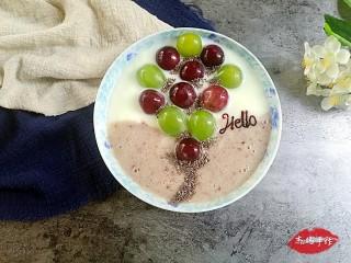 水果酸奶花样制作,奇幻气球:酸奶+葡萄+奇亚籽