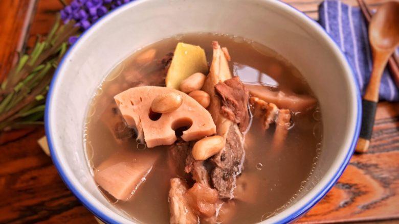 莲藕花生章鱼大骨汤