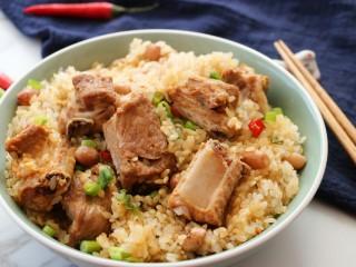 排骨糯米饭,美味出锅,饭菜都有啦~