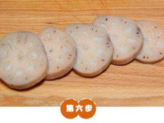 糯米糖藕,取出莲藕,切成2厘米的片