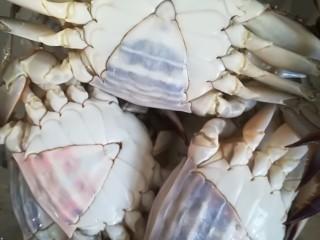 锅烀螃蟹,插旗的更肥。