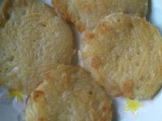 #土豆还是西红柿#万能土豆+土豆丝饼,盛出,可食用了