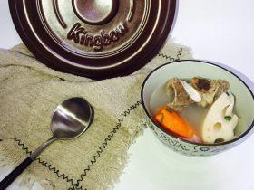 坤博砂锅排骨莲藕汤