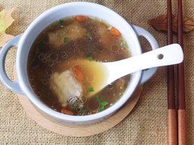 松茸花菇枸杞排骨湯