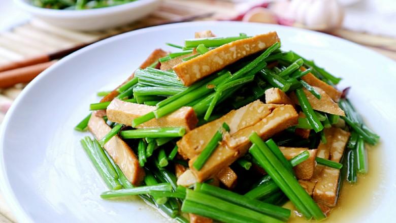 韭菜苔炒香干