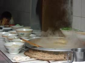 俗话说得好,不吃一回咸汤面,不算到耀县