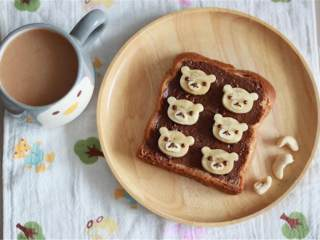 萌萌的轻松熊巧克力香蕉吐司